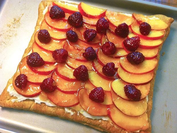 Peach-Raspberry Vanilla Almond Cream Tart