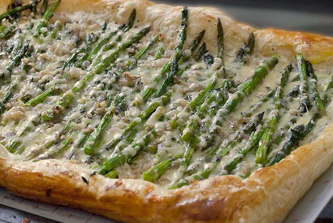 Asparagus-Garlic-3-Cheese Tart