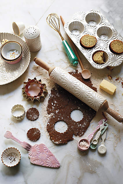 Raised Bloom Baking Set, Anthropologie